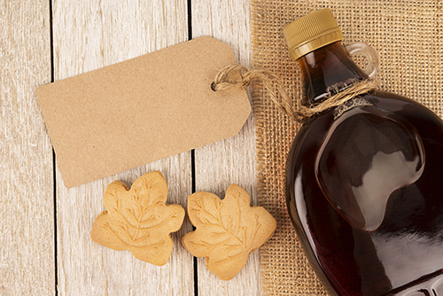Maple syrup and cookies