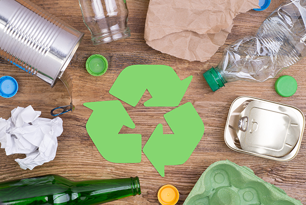 Recycle symbol and recyclable objects
